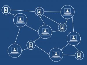 illustratie van blockchain met verbonden computers en andere apparaten